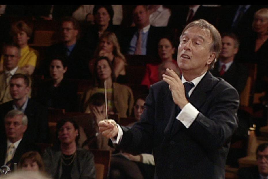 第九を指揮するクラウディオ・アバド(2000年)