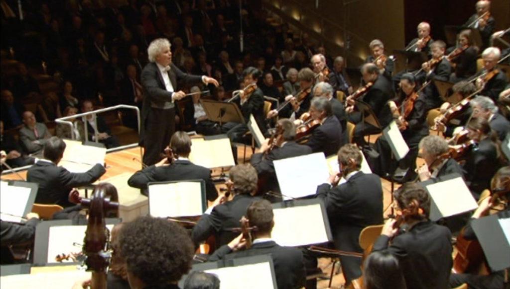 ブラームスの交響曲第1番を演奏するサー・サイモン・ラトル/ベルリンフィル(2008年11月)