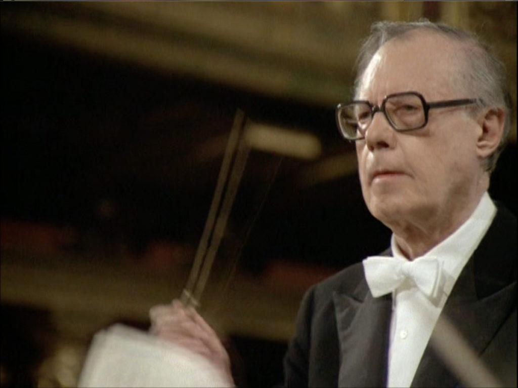 モーツァルトのピアノ協奏曲第23番を指揮するカール・ベーム