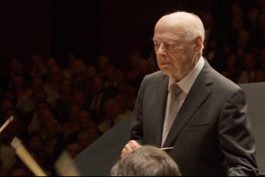 ベートーヴェンのピアノ協奏曲第4番を指揮するベルナルト・ハイティンク(2019年)