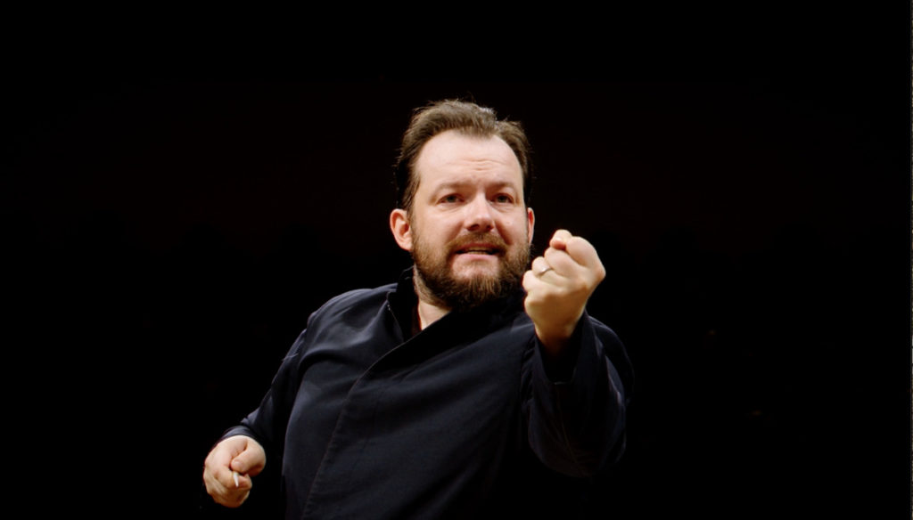 チャイコフスキー交響曲第4番を指揮するアンドリス・ネルソンス。(c) Accentus