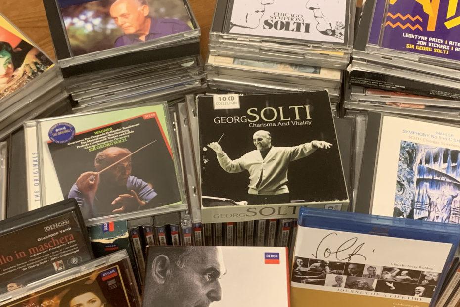 所有するサー・ゲオルグ・ショルティのCD、DVD。およそ200枚あります