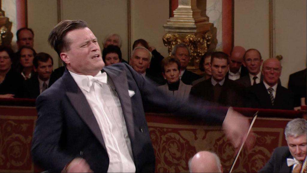 ベートーヴェン交響曲第7番第4楽章のコーダを指揮するクリスティアン・ティーレマン (c) C Major