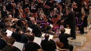 ベートーヴェンの交響曲第9番第4楽章を演奏するアバドとベルリンフィル (c) Euro Arts