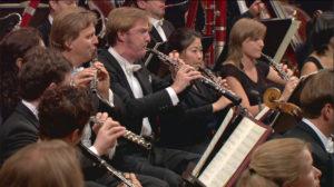 マーラー交響曲第5番を演奏するルツェルン祝祭管弦楽団のオーボエ、吉井瑞穂さん (c) EuroArts