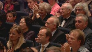 アバド/ルツェルン祝祭管のマーラー交響曲第5番の演奏会の客席にマウリツィオ・ポリーニが。(c) EuroArts