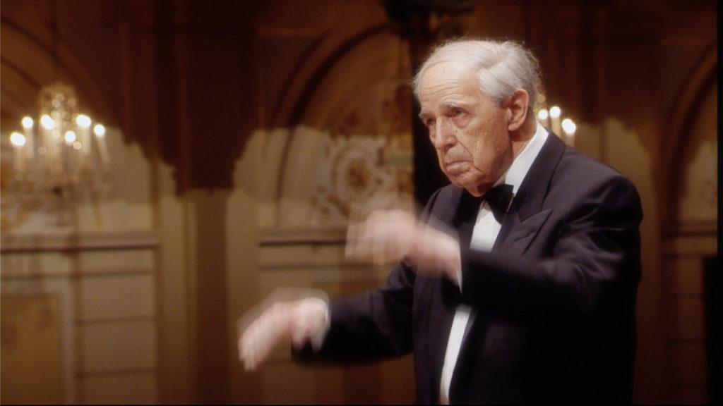 マーラーの交響曲第7番「夜の歌」を指揮するピエール・ブーレーズ 。2011年 (c) RCO Live