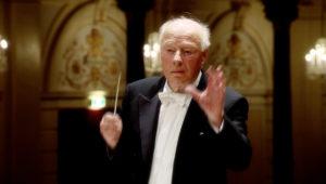 マーラー交響曲第9番の第4楽章を指揮するベルナルト・ハイティンク。2011年 (c) RCO Live