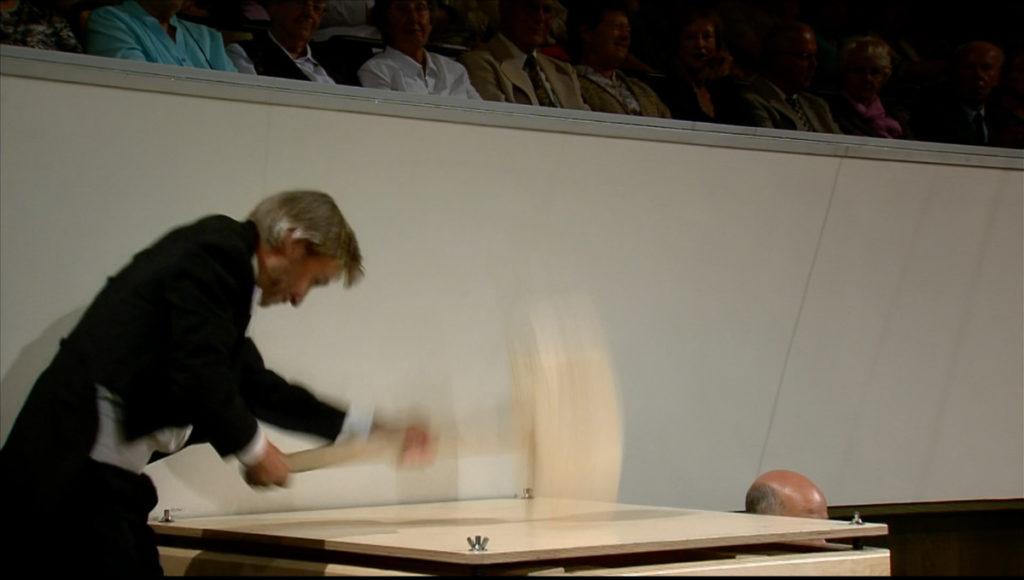 マーラー交響曲第6番「悲劇的」第4楽章でのハンマー2発目。ゲヴァントハウス管弦楽団 (c) Accentus Music