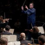 ザルツブルク音楽祭2020でブルックナーの交響曲第4番のフィナーレを指揮するクリスティアン・ティーレマン (c) UNITEL